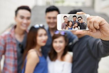 לימודי מדיה חברתית לבני נוער